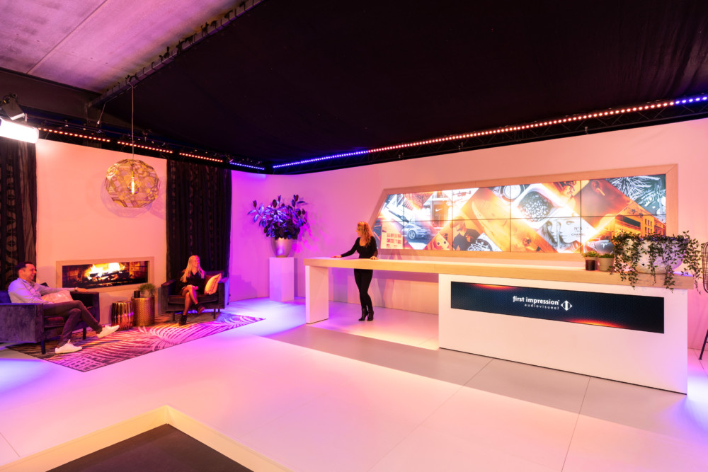 Studio24 - First Impression audiovisueel